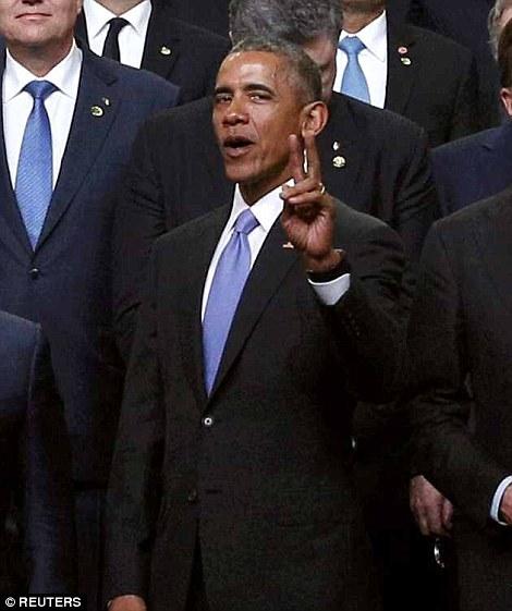 LI #13b Obama Peace Sign