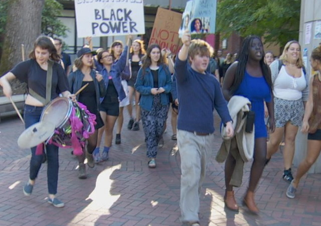 http://katu.com/news/local/gallery/students-hold-demonstration-on-reed-college-campus-for-national-day-of-boycott#photo-3