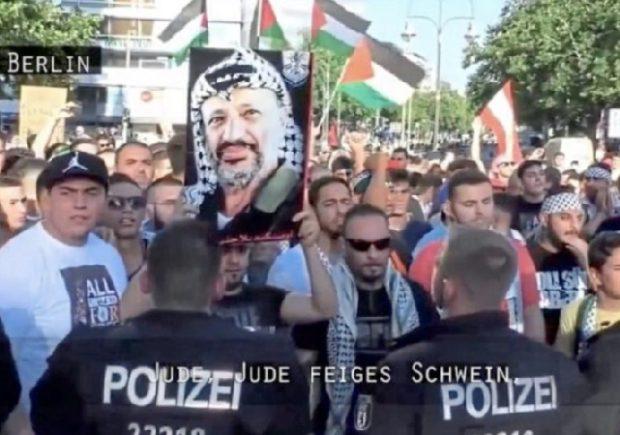 http://www.bild.de/politik/inland/bild/zeigt-die-doku-die-arte-nicht-zeigen-will-52155394.bild.html