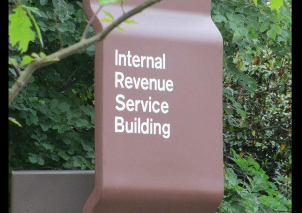 https://upload.wikimedia.org/wikipedia/commons/0/05/IRS_Sign.JPG