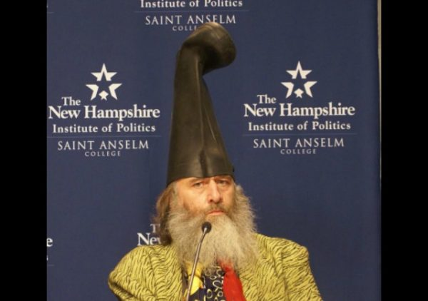 https://commons.wikimedia.org/wiki/File:Vermin_Supreme_(6544304867).jpg