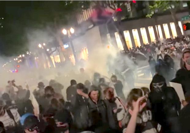 https://www.nytimes.com/2020/06/03/us/tear-gas-risks-protests-coronavirus.html